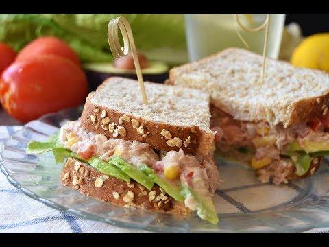 Sándwich saludable de atún y aguacate