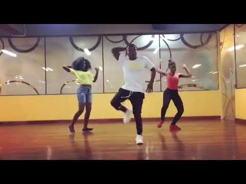 Nkuloga dance......... By @jakerojackson........ Legit dance.... All about an Afro vibe