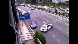 Смотреть онлайн Подборка: ДТП с полицейскими машинами