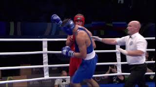 Казахстанский боксер и россиянин продолжили избивать друг друга после финала МЧМ-2018