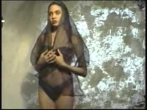 Редкое видео с 16-летней Анджелиной Джоли