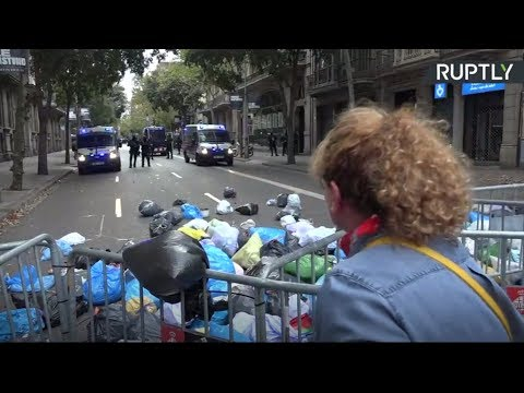 La manifestation contre la condamnation de leaders indépendantistes se poursuit à Barcelone