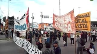 preview picture of video 'Trabajadores de Interpack se manifestaron en la rotonda de San Justo'
