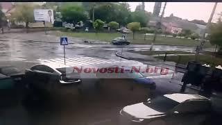Летел на полном ходу: появилось видео, как ВАЗ сбил женщину на пешеходном переходе в Николаеве