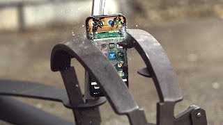 Don't Put Your iPhone X Inside Giant Bear Trap!!