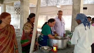 Covid 19 - Distributing satvik meals in Mancherial to the needy people who are returning to their places