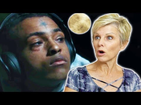 Mom Reacts to XXXTENTACION - MOONLIGHT (OFFICIAL MUSIC VIDEO)
