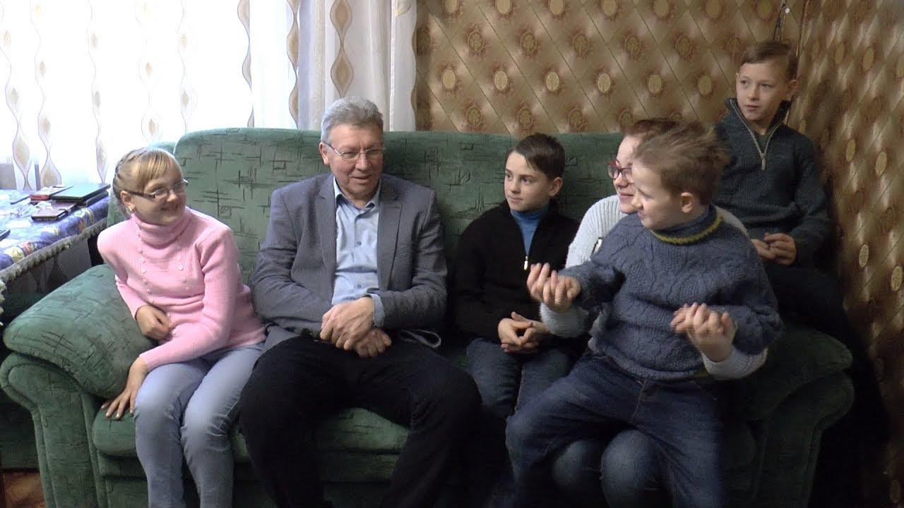 Секретар міської ради привітав з Новим Роком та Різдвом дітей, охоплених сімейним вихованням