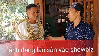 Anh da đen chơi trội hơn Phúc XO đeo vàng nhiều nhất Việt Nam khoe 2 chiếc kiềng vàng nặng 5kg