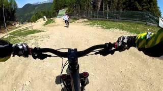 preview picture of video 'Bikepark Semmering Zau[:ber:]g 2012 (Stepup-Slopestyle-Jumpline)'
