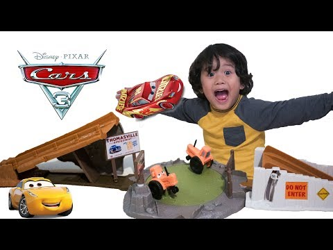 BRANDNEW Cars 3 Toys Smokey's Tractor Challenge Playset With Lightning McQueen And Cruz Ramirez