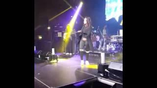 Main Tera Boyfriend - Neha Kakkar LIVE in Auckland - 28 Jul 2017