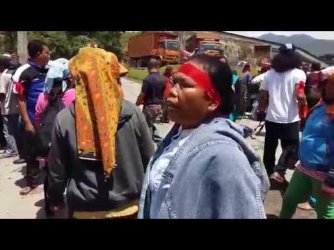 Video Begini orang batak kalau marah...! Wajib lihat.
