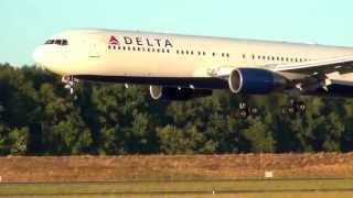 Delta Air Lines N128DL 767-300 Landing Portland Airport (PDX)