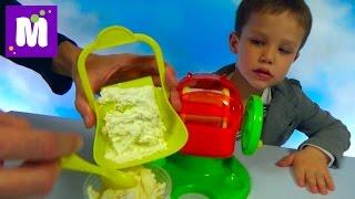 Макс делает праздничное мороженое пломбир с медвежуйками