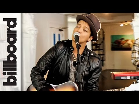 Bruno Mars 'The Lazy Song' Live Studio Session at Mophonics Studio NY