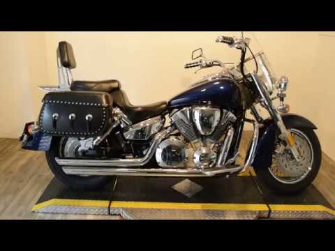2004 Honda VTX Retro 1300 in Wauconda, Illinois