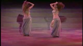 Смотреть онлайн Красивый танец живота