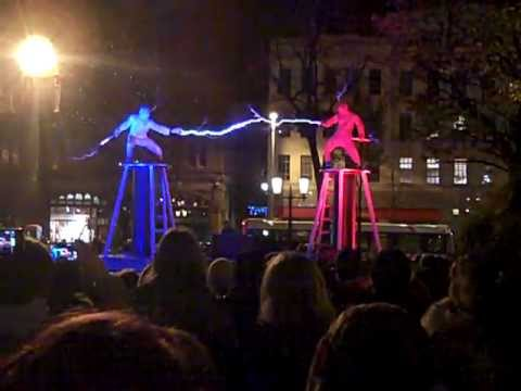 Kiwi Engineer's 'Lords Of Lightning' Show Is Suitably Electrifying