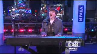 """Greyson Chance Performs """"Paparazzi"""" Live On Carson Daly New Years Eve 2010"""
