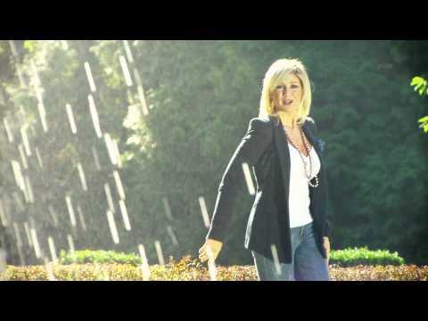 LINDSAY - ALS JIJ ME KUST (DAN IS HET ZOMER) - (Officiële Videoclip) **HD**