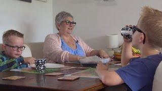 Oma en opa als oppas: veel te zwaar. EDITIE NL