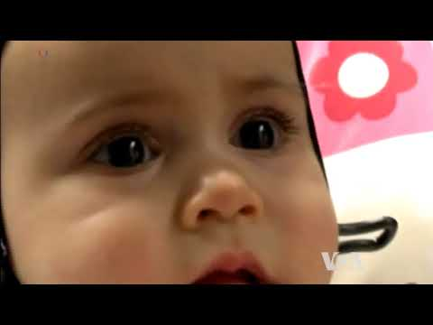 Eye Contact Between Adults, Babies Synchronizes Brainwaves