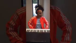 Alicia keys - More Than We Know live acustic