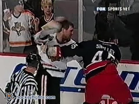 Jody Shelley vs Bob Probert