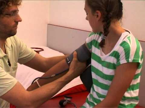 Jungendgesundheitsuntersuchung J1の女の子