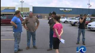 preview picture of video 'Woman sets car fire at Walmart'