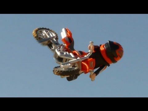 מירוץ אופנועים עם צעצועים