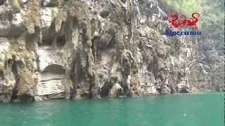 preview picture of video 'Yangtze Sinorama Gold 8  Cruises Chongqing-Yichang -Chongqing China - Croisiere en Chine'