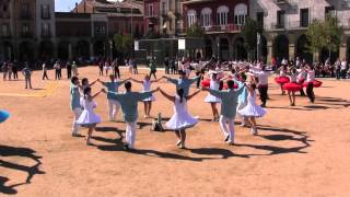 preview picture of video 'Tercer Sardana del 73a.Concurs de Colles Sardanistes - Manlleu'