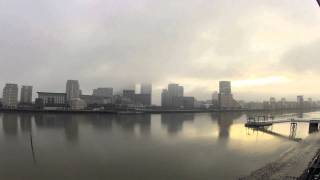 preview picture of video 'GoPro HD HERO2 Timelapse River Thames, Canary Wharf, London'