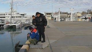 Почему из порта Сочи прогоняют рыбаков?