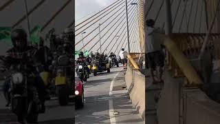 'Motociata' de Bolsonaro reúne milhares de pessoas em São Paulo