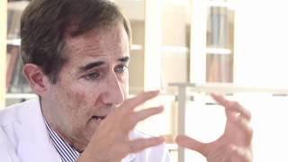 Agujero macular: el equipo de IMO Barcelona realizó la primera cirugía en España. - José García-Arumí