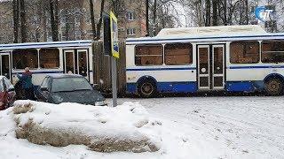 Два ДТП с участием автобусов стали причиной пробок в центре Великого Новгорода