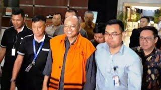 Pakai Rompi Oranye KPK, Bupati Malang Diam Seribu Bahasa