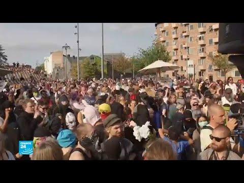 العرب اليوم - شاهد :احتجاجات في الدانمارك على تطبيق قانون حظر النقاب  في الأماكن العامة