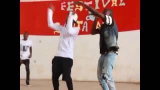 Actuação Da Black Money No Festival Da Escola Santa Ana