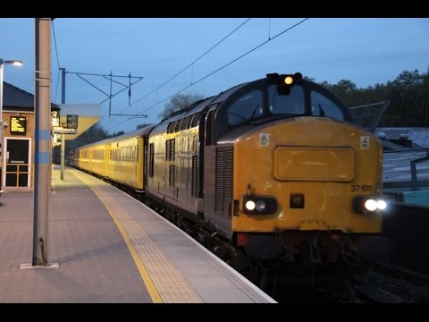 Europhoenix 37611 & 37608 pass Finsbury Park 8th November 20…