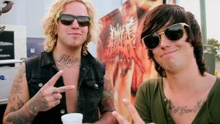 Sleeping with Sirens (Kellin Quinn), Sleeping With Sirens & ATTILA - The All Stars Tour Update - ApocoreTV