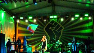 Damian Marley - Hey Girl/Beautiful (Costa Rica 2013)