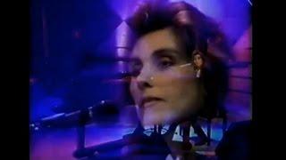 "Laura Branigan - ""Will You Still Love Me Tomorrow"" [cc] with interview 1991 LIVE Sydney AU"