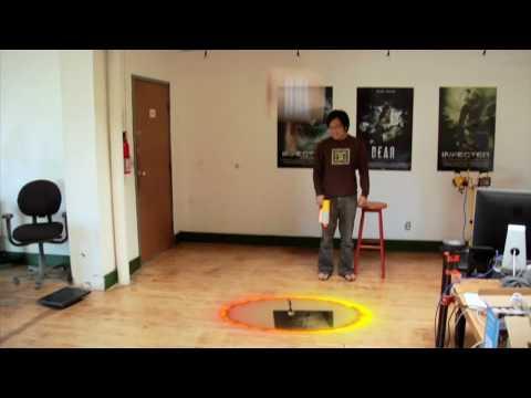 FreddieW: Portal Gun, Rocket Jump, Sám doma