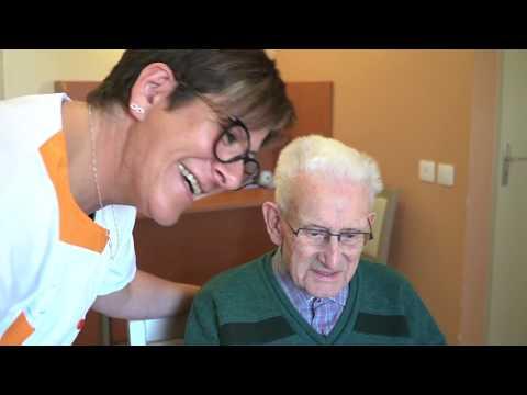 Video Fiers de nos métiers - Auxiliaire de vie en EHPAD