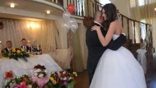 Свадьба - Отец танцует с Дочкой.