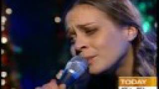 "Fiona Apple - ""Paper Bag"" live @ TheToday Show [with lyrics]"